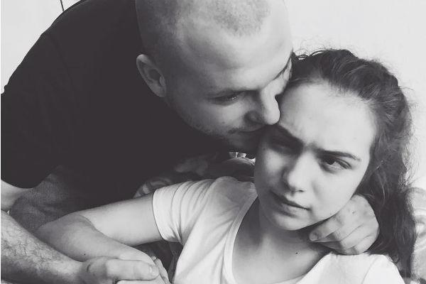 Дочь пары учится за рубежом, но иногда приезжает в Россию