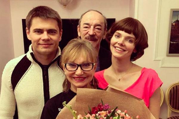 Елизавета Боярская с родителями и братом Сергеем