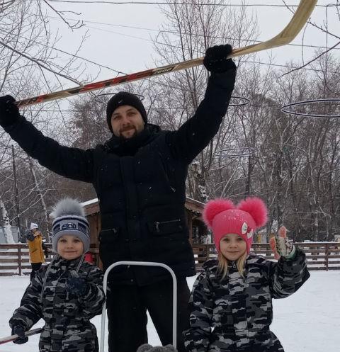 Николай Сорокин с детьми