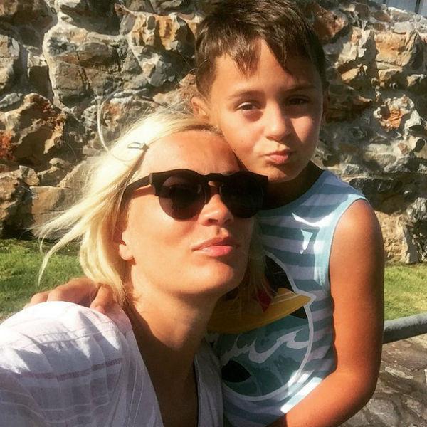 Девятилетний Богдан был счастлив узнать, что у него будет братик