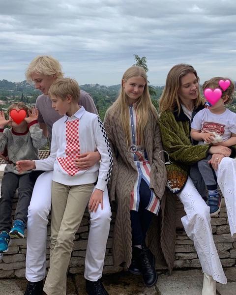 Наталья часто путешествует с детьми по всему миру