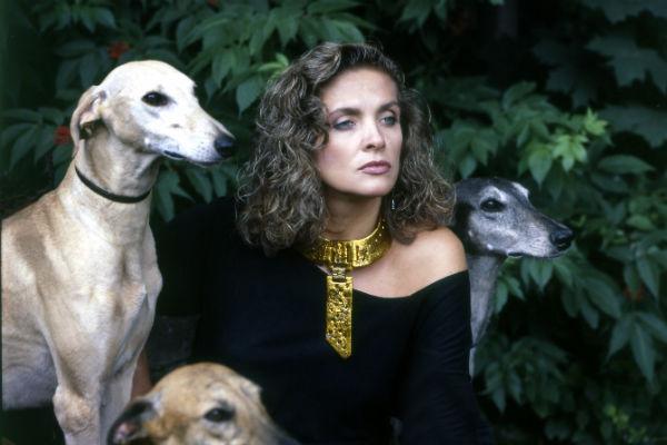 Вайкуле всегда обожала собак