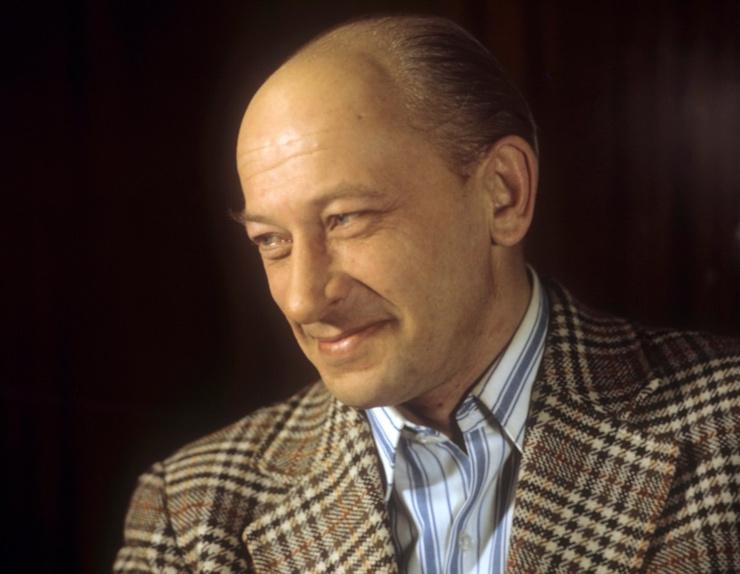 Евгений Евстигнеев стал первым мужем Галины Волчек