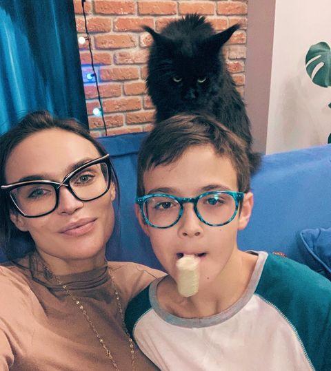 Богдану 10 лет, мальчик растет копией отца
