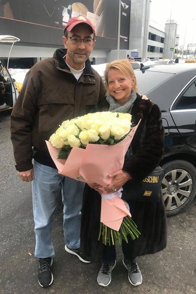 Сейчас спортсменка счастлива с мужем Джеем Шенфилтом