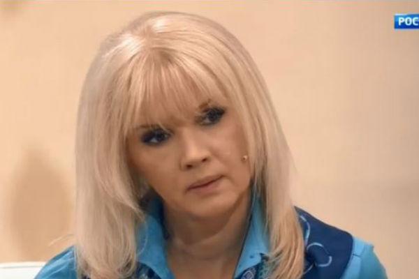 Елена призналась, что все чувства к Серову у нее прошли