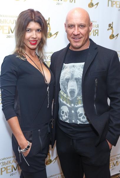 Денис Майданов переживал за супругу