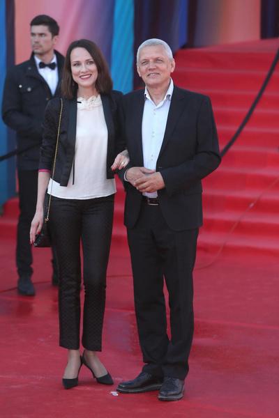 Сегодня Галибин счастлив в браке с третьей женой, актрисой Ириной Савицковой