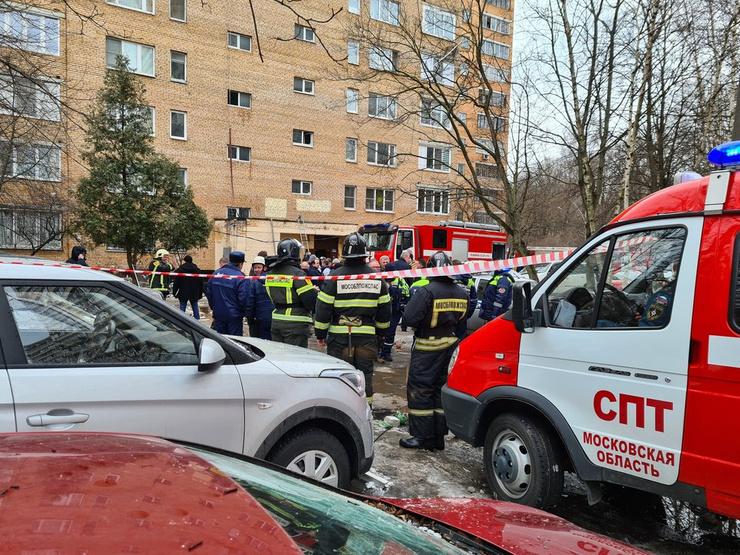 Здание оцеплено полицией