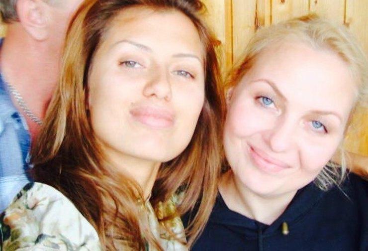 Виктория и ее сестра Ангелина