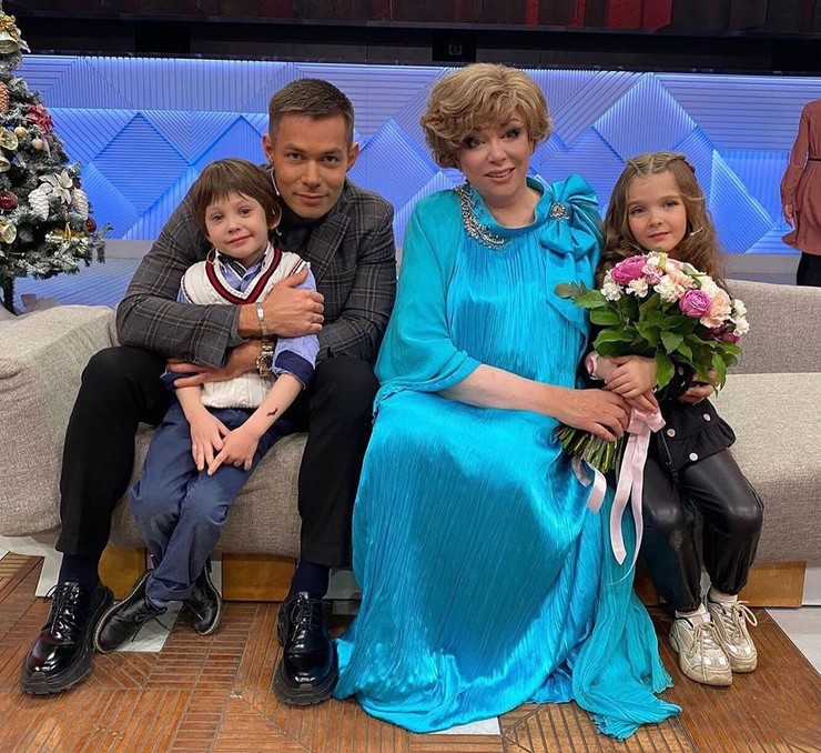 Стас Пьеха и Эдита Пьеха с внуком Петей