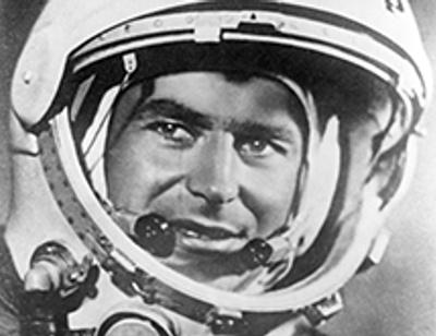 Дочь советского космонавта №2 Германа Титова выселяет пасынка и его семью на улицу