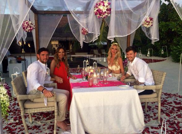 Годовщину свадьбы Лопырева и Смолов отметилис супругами Жирковыми