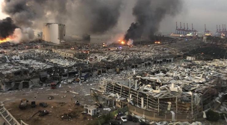 В разрушенных зданиях все еще находятся люди