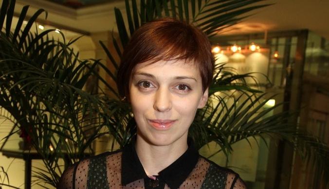 Нелли Уварова обрила голову