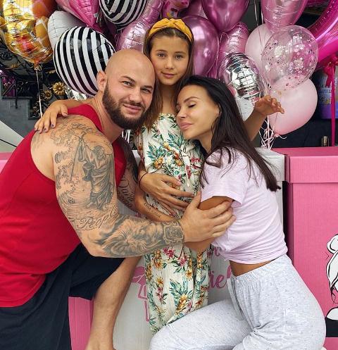 Джиган и Оксана Самойлова со старшей дочерью Ариелой