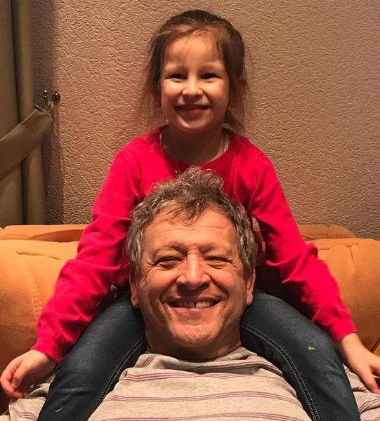 Дочь похожа на отца и внешне, и характером
