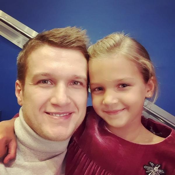 Дочь Милена поддерживает папу