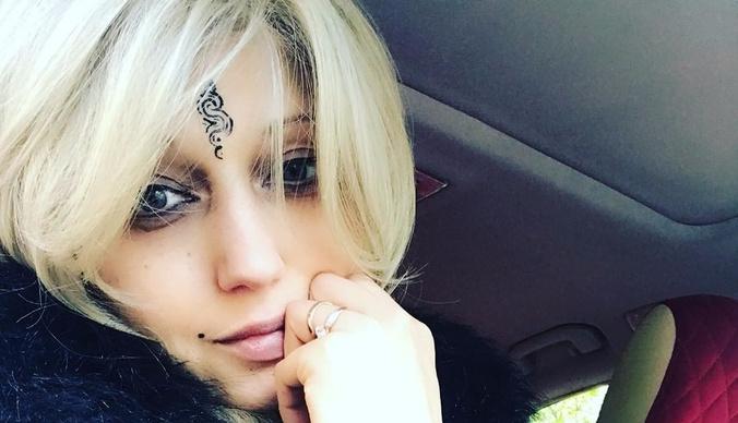 Лама Сафонова впервые вышла в свет после страшного диагноза