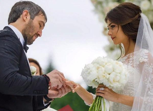 Анастасия о Александр поженились в начале июля прошлого года