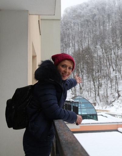 Яна Чурикова перед afterpaty отправилась на прогулку в лес