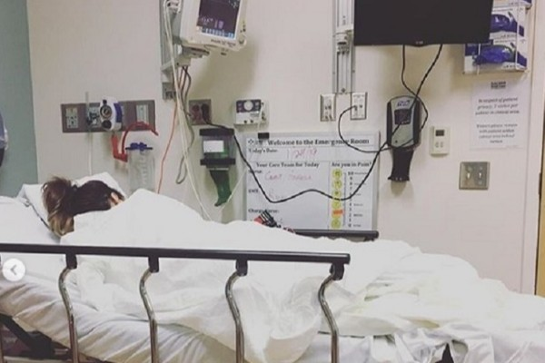Кейт Бекинсейл восстанавливается после операции