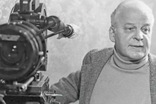 Режиссер фильма «А зори здесь тихие» Станислав Ростоцкий