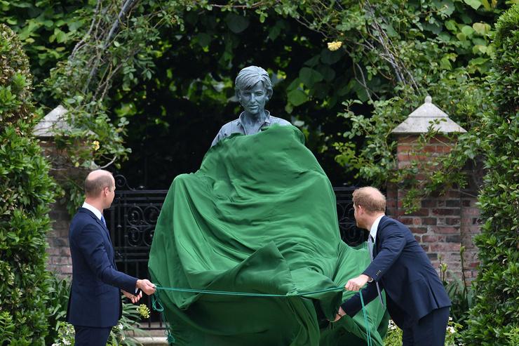 Сыновья остались довольны скульптурой