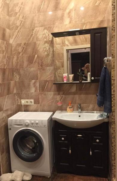 В ванной комнате Легкоступовой было не развернуться