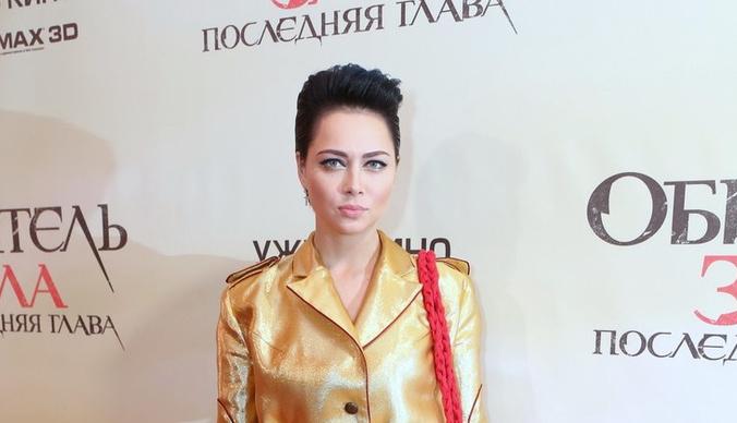 Настасья Самбурская спародировала беременную модель plus size Эшли Грэм