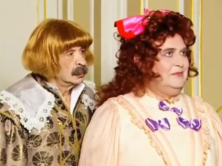 Стоянов часто играл женщин в шоу