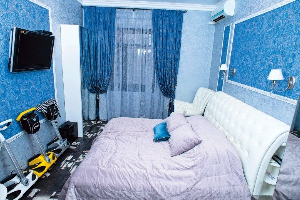 Шторы, обои и мебель для спальни выбирал супруг звезды