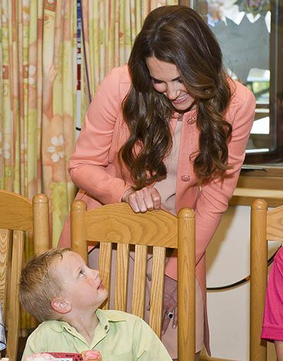 29 апреля. Герцогиня Кембриджская посетила детский дом