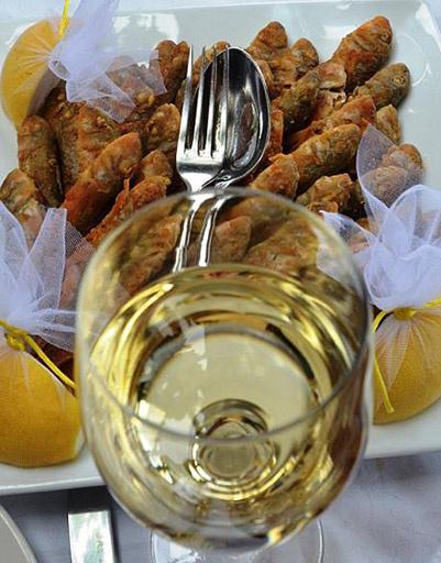 «Кинотавр. Обед в Дионисе», - показывает свою трапезу Божена Рынска