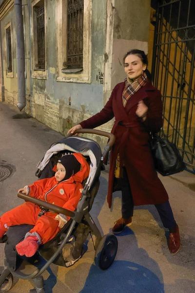 Девушка хочет поехать к наследнику в столицу