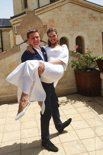 Влюбленные обвенчались в православной церкви в Иерусалиме