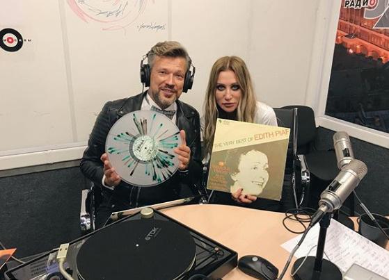 Куницын ведет передачу на радио