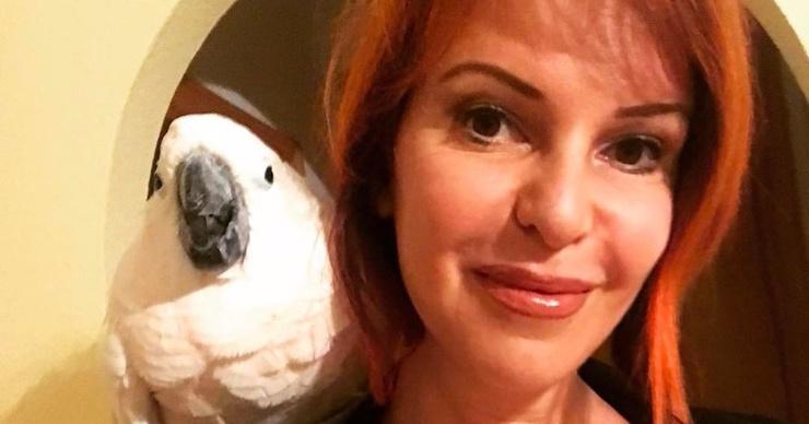 50-летняя Наталья Штурм сверкает обнаженной грудью на отдыхе