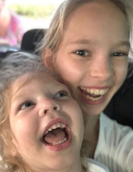 Дочери певца: Софья и Агата