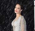 Анджелину Джоли эвакуировали со съемочной площадки из-за мины