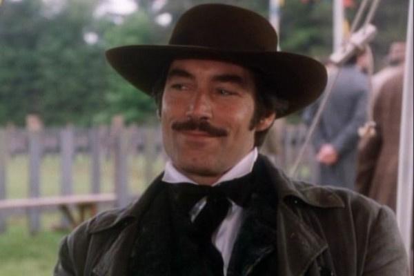 Отказавшись от продолжения съемок «бондианы», Тимоти Далтон сыграл Рэтта Батлера