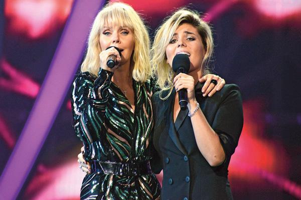 Год назад дочь Валерии, Анна, начала карьеру певицы