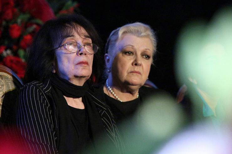 Гитана Леонтенко сперва пела дифирамбы добродетели Дрожжиной, а потом забеспокоилась за недвижимость дочери Марии...