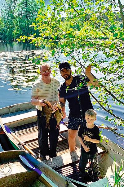 С папой и дедушкой на рыбалке