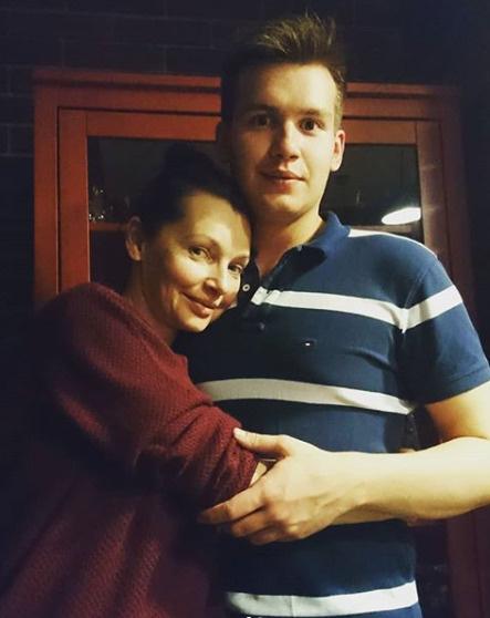 Антонова со старшим сыном