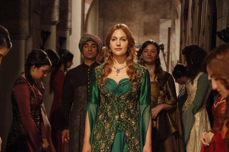 Актриса воплотила на экране один из самых ярких образов в истории турецкого телевидения
