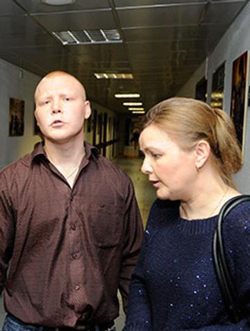 Его сын Павел с матерью Татьяной