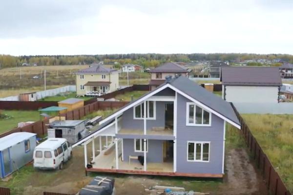 Двухэтажный дом практически готов