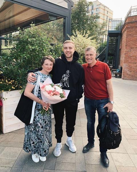 В трудных ситуациях Егора всегда поддерживали родители