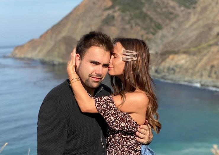 Саша Зверева с супругом Дэном